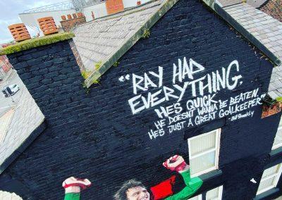 038-ray clemence-anfield-tribute mural-street art-lfc legend