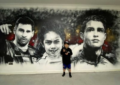 051-Arat-Hosseini-with-Lionel-Messi-and-Cristiano-Ronaldo
